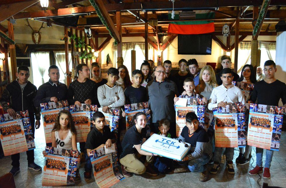 Photo of Д-р Кирил Панайотов награди състезателите на ТСК – Русе