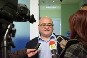 """Д-р Панайотов с отворено писмо за """"Медика Кор"""" във Враца, снимка в. """"24 часа"""""""