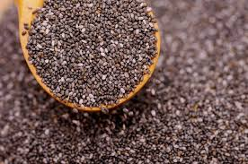 Чиа семена са богат източник на калций, две супени лъжици чиа семена, осигуряват повече от 130 милиграма калций.