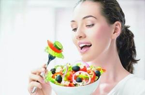 Според специалистите първото нещо, което бихме могли да направим е до променим диетата си.
