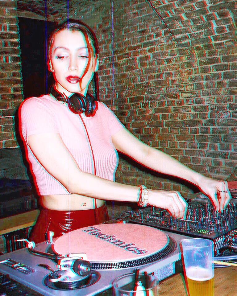 Русенката Габриела Вергилов набира скорост в електронната музика