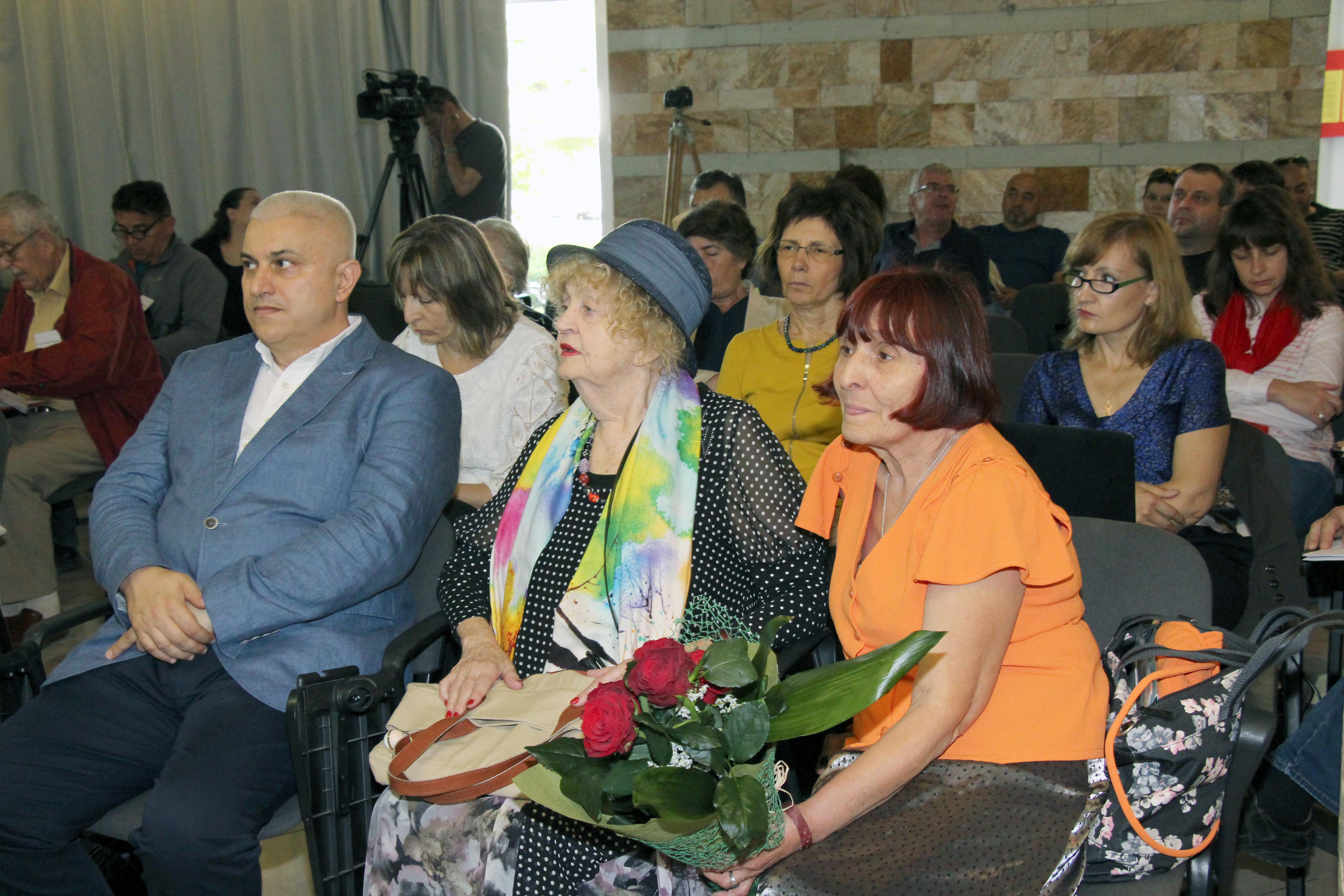 Photo of Форум за медии и медици в Албена: Здравеопазването има нужда не от златна рибка, а от радикални промени