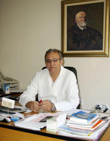Photo of Професор д-р Поромански ще преглежда в ДКЦ-2