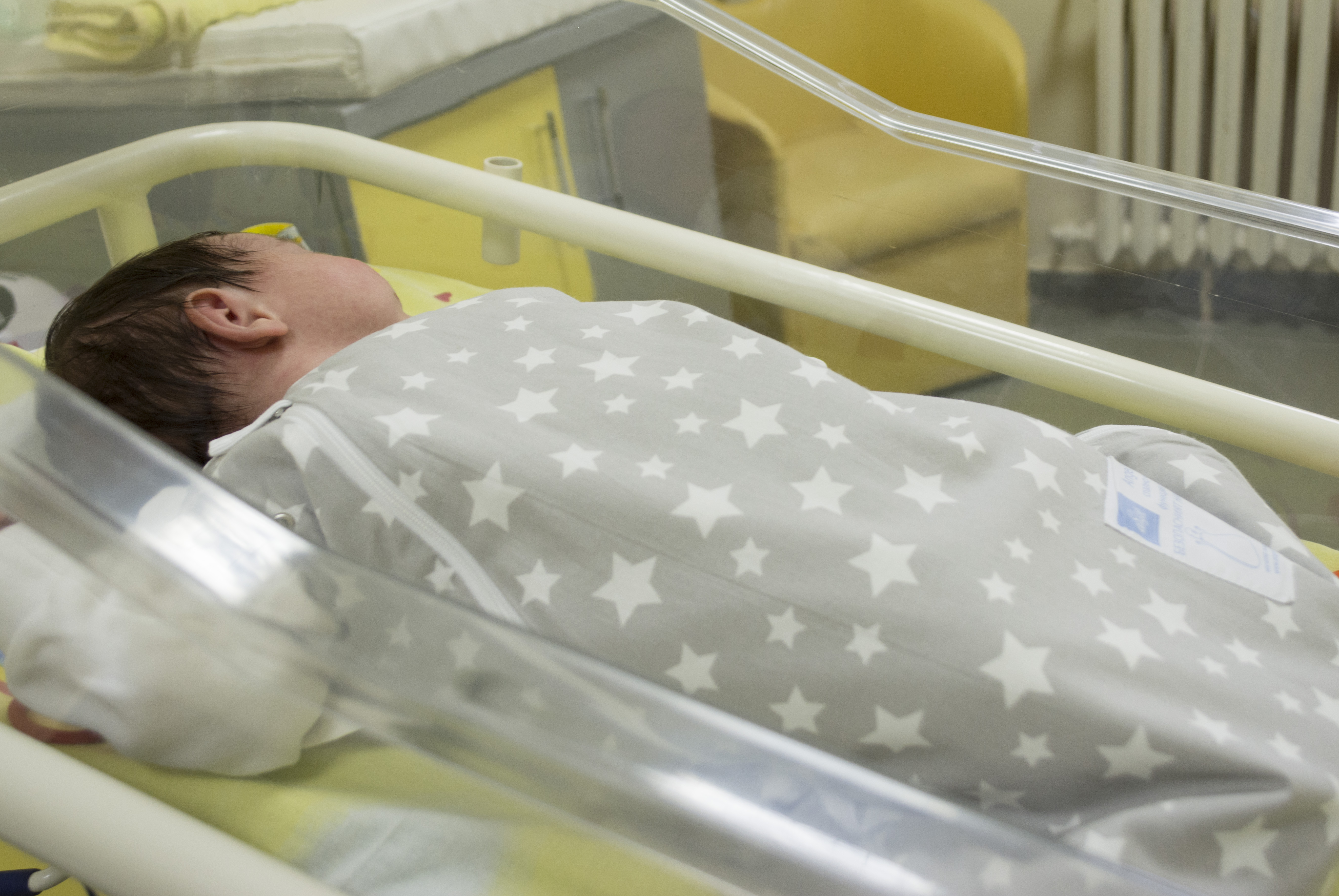 Photo of Чувалчета с кауза смениха завивките на бебетата в УМБАЛ Медика Русе