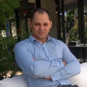 Юмейхо терапевтът Борис Николов
