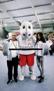 Заедно с нея в Полша е и един от личните й треньори – Радослав Атанасов.