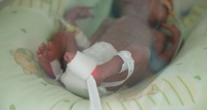 Броят на недоносени бебета расте, годишно у нас се раждат близо 6000