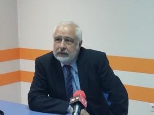 """. В момента проф. Кълвачев завежда вирусологичната лаборатория в столичната болница """"Надежда""""."""