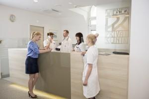 Болницата е международен ориентирана и около 45% от приблизително 9000 пациенти годишно идват извън Австрия, особено от страните в Централна и Югоизточна Европа.