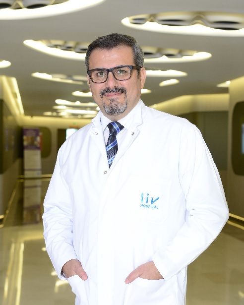 """Проф. Ердал Карайоз работи в области, възприемани като """"медицината на бъдещето"""" – клетъчни терапии, лечение със стволови клетки, тъканно инженерство и генни терапии."""