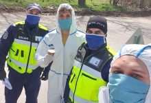 "Photo of Мил жест от доброволци на ""Медика"" към полицаи"